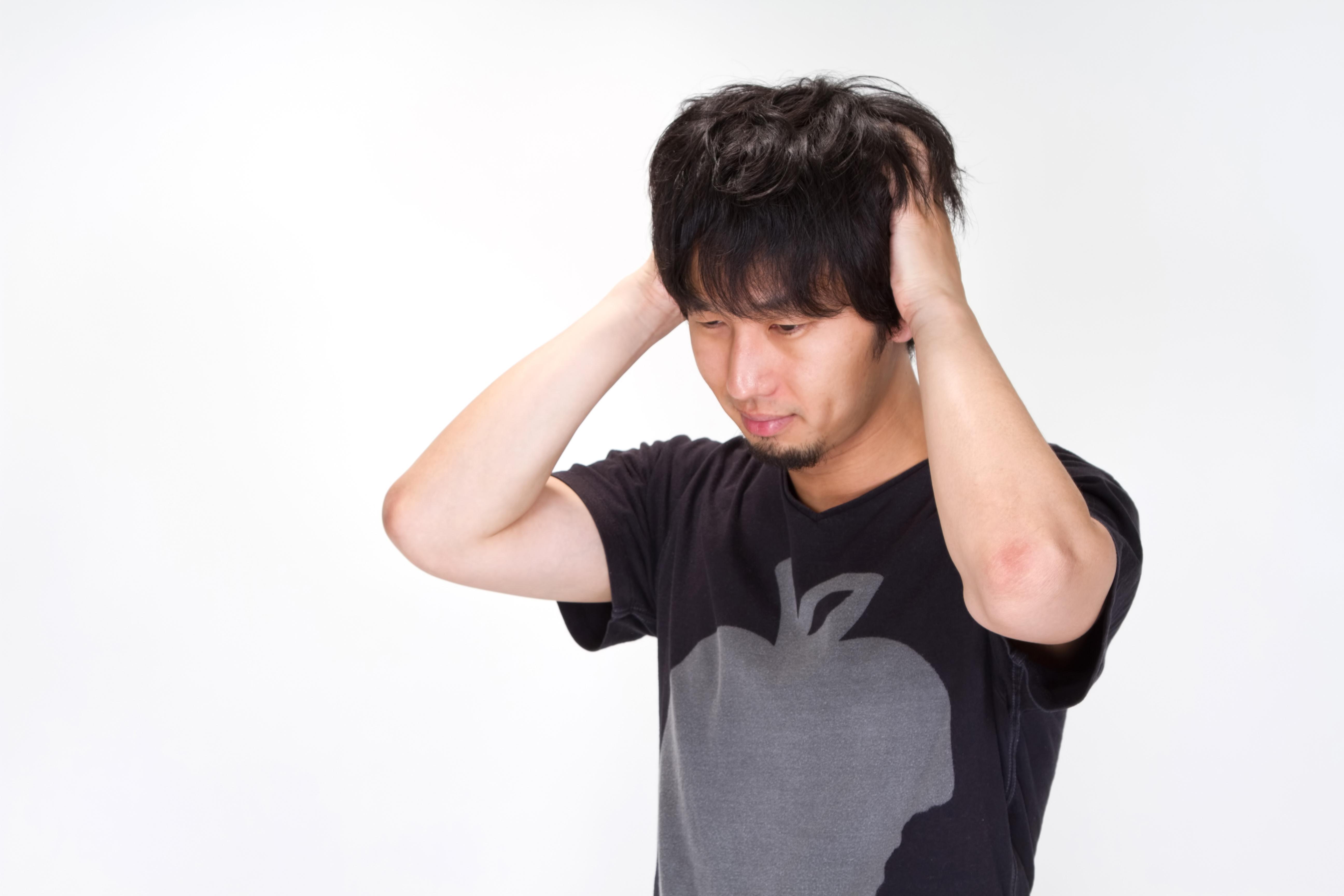 https___www.pakutaso.com_shared_img_thumb_N912_atamawokakimushiru